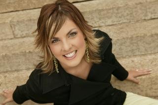 Janelle Reinhart